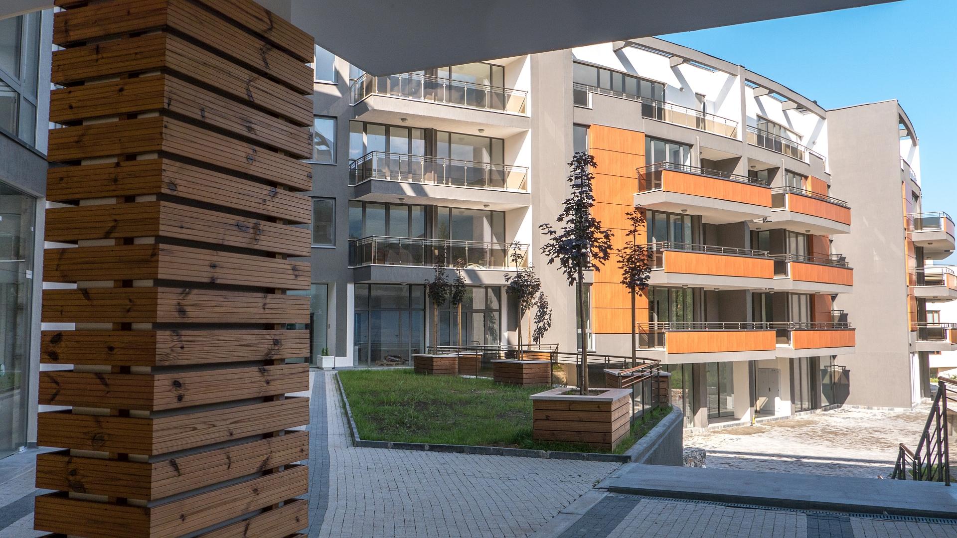 Двустаен апартамент, 114 кв. м, в напълно завършен, луксозен комплекс, с Акт 16, кв. Карпузица, гр. София