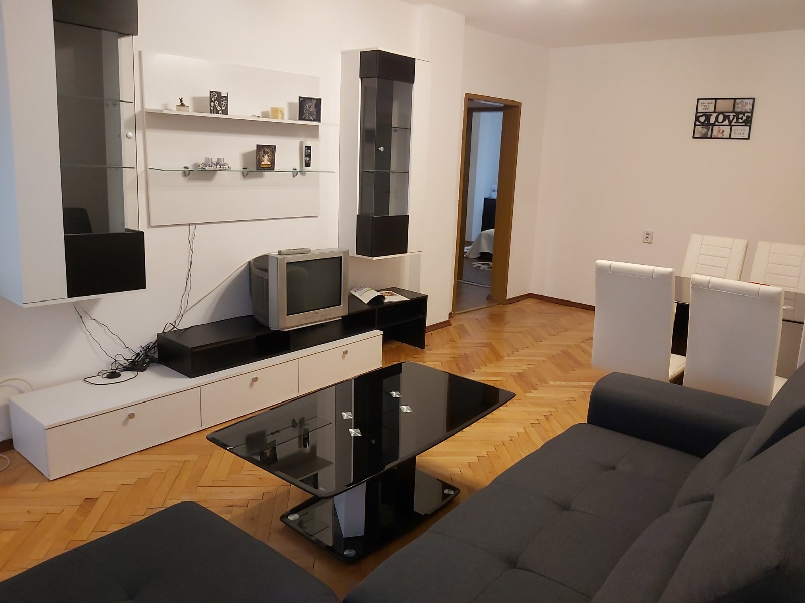 Четиристаен апартамент в кв. Люлин, 93 кв.м.
